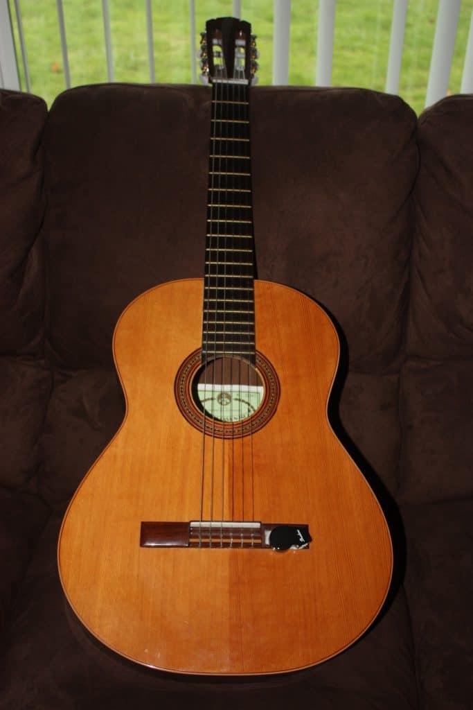 Antigua_Casa_Nunez_Classical_Guitar001